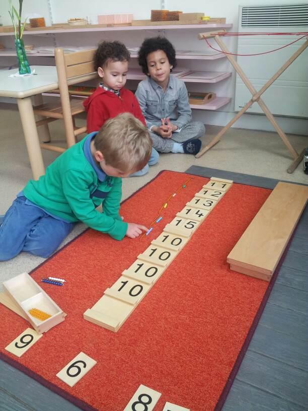 Activités Montessori : Mathématiques - Ecole Montessori Bilingue Beautiful Minds a Puteaux et Courbevoie