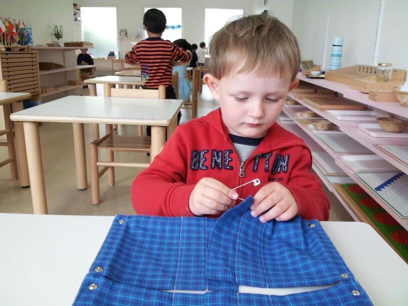 enfant 3-6 ans école Montessori bilingue Beautiful Minds